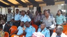 GENDARMES ET POLICIERS
